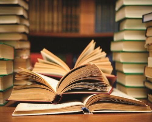 Top 10 romane ale secolului 21 recomandate de criticii literari