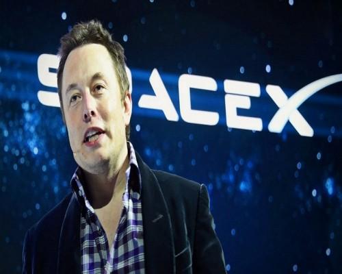 Cartile care l-au ajutat pe Elon Musk sa atinga succesul