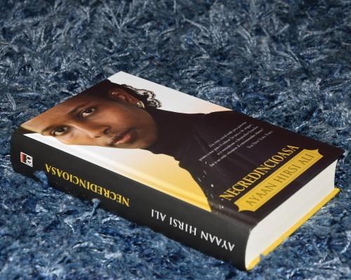 """Recenzie - """"Necredincioasa"""" – Ayaan Hirsi Ali"""