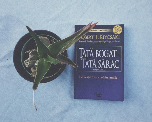 "Recenzie - ""Tata bogat, tata sarac"". Editia a V-a, revizuita - Robert T. Kiyosaki"